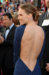 """Hilary Swank, Academy Award Best Actress nominee for her work in """"Million Dollar Baby,"""" arrives at the 77th Annual Academy Awards at the Kodak Theatre in Hollywood, CA on Sunday, February 27, 2005.  HO/AMPAS - Image 22270_0018"""