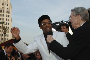Army Archerd interviews director Spike Lee before the 77th Annual Academy Awards at the Kodak Theatre in Hollywood, CA on Sunday, February 27, 2005.  HO/AMPAS - Image 22270_0077