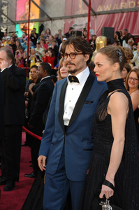 Academy Award Best Actor nominee Johnny Depp and Vanessa Paradis arrive at the 77th Annual Academy Awards at the Kodak Theatre in Hollywood, CA on Sunday, February 27, 2005.  HO/AMPAS - Image 22270_0118