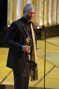 Morgan Freeman accepts the Academy Award for Best Supporting Actor during the 77th Annual Academy Awards at the Kodak Theatre in Hollywood, CA on Sunday, February 27, 2005.  HO/AMPAS - Image 22270_0171