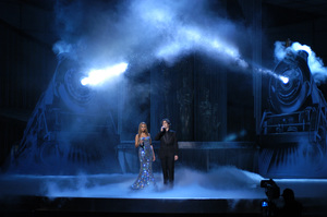 """Beyonce and Josh Groban perform """"Believe,"""" which was nominated for the Academy Award for Best Original Song, during the 77th Annual Academy Awards at the Kodak Theatre in Hollywood, CA on Sunday, February 27, 2005.  HO/AMPAS - Image 22270_0225"""