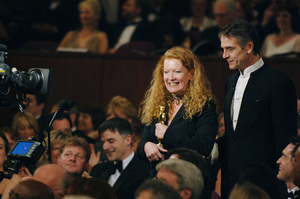 Andrea Arnold accepts the Academy Award for Best Live Action Short Film from Jeremy Irons during the 77th Annual Academy Awards at the Kodak Theatre in Hollywood, CA on Sunday, February 27, 2005.  HO/AMPAS - Image 22270_0248