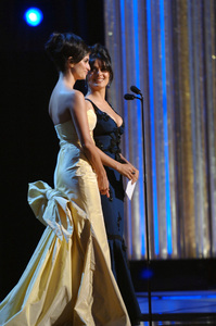 Penelope Cruz and Salma Hayek present the Academy Award for Achievement in Sound Editing during the 77th Annual Academy Awards at the Kodak Theatre in Hollywood, CA on Sunday, February 27, 2005.  HO/AMPAS - Image 22270_0252