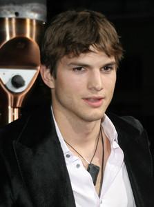 """""""Guess Who"""" (Premiere)Ashton Kutcher03-13-2005 / Grauman"""