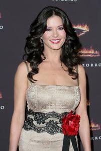 """""""The Legend of Zorro"""" (Premiere)Catherine Zeta-Jones10-16-2005 / Orpheum Theatre / Los Angeles, CA / Columbia Pictures - Image 22532_0006"""