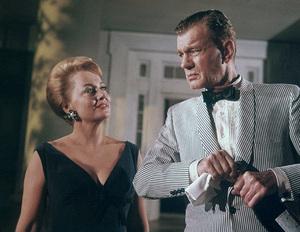 """""""Hush... Hush, Sweet Charlotte""""Olivia de Havilland, Joseph Cotten1964 20th Century Fox** J.C.C. - Image 22659_0002"""