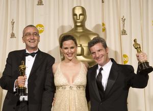 """The 78th Annual Academy Awards"" (Press Room)Mike Hopkins, Jennifer Garner, Ethan Van der Ryn03-05-2006 / Kodak Theatre / Hollywood, CA © 2006 AMPAS - Image 22701_0038"