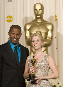 """The 78th Annual Academy Awards"" (Press Room)Jamie Foxx, Reese Witherspoon03-05-2006 / Kodak Theatre / Hollywood, CA © 2006 AMPAS - Image 22701_0042"