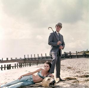 """""""The Avengers""""Diana Rigg, Patrick Macneecirca 1965** I.V. - Image 22727_0911"""