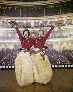 """Julie and Carol at Carnegie Hall""Carol Burnett, Julie Andrews1962** I.V. - Image 22727_0969"