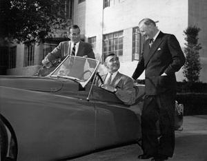 Cars 1950 Jaguar XK 120, Charles Hornburg, Clark Gable and William Lyons at the MGM studio ** H.C. - Image 22813_0008