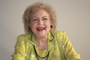 Betty White05-31-2009 © 2010 Jean Cummings - Image 22834_0369