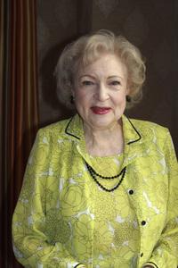Betty White05-31-2009 © 2010 Jean Cummings - Image 22834_0370