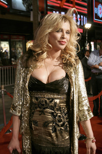 """""""Borat: Cultural Learnings of America for Make Benefit Glorious Nation of Kazakhstan"""" (Premiere)Courtney Love10-23-2006 / Grauman"""