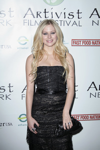 """""""Fast Food Nation"""" (Premiere)Avril Lavigne11-10-2006 / Egyptian Theater / Hollywood, CA / 20th Century Fox / Photo by Max Rodeo - Image 22852_0007"""