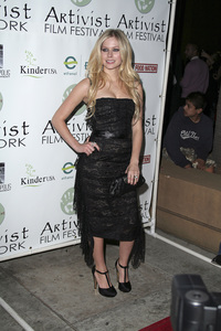 """Fast Food Nation"" (Premiere)Avril Lavigne11-10-2006 / Egyptian Theater / Hollywood, CA / 20th Century Fox / Photo by Max Rodeo - Image 22852_0008"