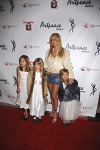 """""""The First Anniversary Celebration of Artpeace Gallery""""Shauna Sand-Lamas with children Isabella, Alexandra and Victoria01-20-2007 / Artpeace Gallery / Burbank, CA / Photo by Andrew Howick - Image 22907_0033"""