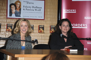 """Felicity Huffman and Patricia Wolff at the book signing of """"A Practical Handbook for the Boyfriend""""01-31-2007 / Borders / Westwood, CA / Photo by Andrew Howick - Image 22917_0008"""