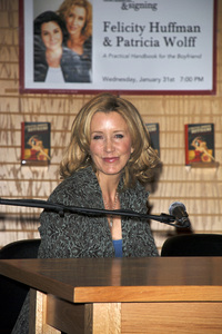 """Felicity Huffman at the book signing of """"A Practical Handbook for the Boyfriend""""01-31-2007 / Borders / Westwood, CA / Photo by Andrew Howick - Image 22917_0009"""
