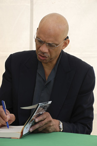 """""""Los Angeles Times Festival of Books""""Kareem Abdul-Jabbar04-28-2007 / U.C.L.A. / Westwood, CA / Photo by Andrew Howick - Image 23002_0003"""