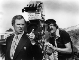 """""""Smile""""Bruce Dern, director Michael Ritchie1975 Twin Roads Productions** I.V. - Image 23053_0001"""