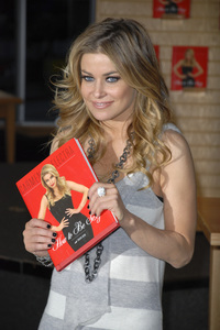 """Carmen Electra at the book signing of """"How to Be Sexy"""" 05-08-2007 / Borders / Westwood, CA / Photo by Andrew Howick - Image 23071_0006"""