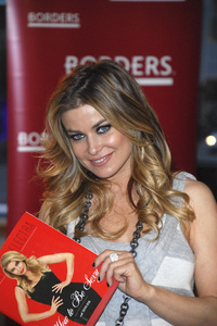 """Carmen Electra at the book signing of """"How to Be Sexy"""" 05-08-2007 / Borders / Westwood, CA / Photo by Andrew Howick - Image 23071_0009"""