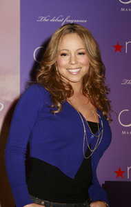 """M by Mariah Carey"" Fragrance Launch (Appearance) Mariah Carey 11-20-2007 / Macys at Glendale Galleria / Glendale, CA / Photo by Max Rodeo - Image 23279_0007"