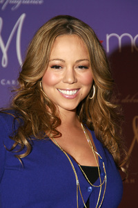 """""""M by Mariah Carey"""" Fragrance Launch (Appearance) Mariah Carey 11-20-2007 / Macys at Glendale Galleria / Glendale, CA / Photo by Max Rodeo - Image 23279_0008"""