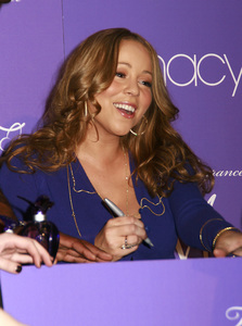 """M by Mariah Carey"" Fragrance Launch (Appearance) Mariah Carey 11-20-2007 / Macys at Glendale Galleria / Glendale, CA / Photo by Max Rodeo - Image 23279_0011"