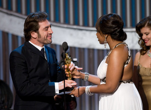 """Academy Awards - 80th Annual"" (Telecast)Javier Bardem, Jennifer Hudson2-24-08Photo by Greg Harbaugh © 2008 A.M.P.A.S. - Image 23359_0154"