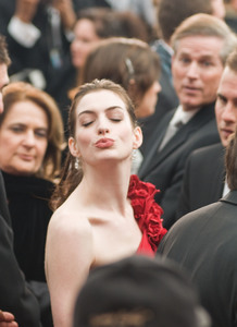 """""""Academy Awards - 80th Annual"""" (Arrivals)Anne Hathaway2-24-08 Photo By Matt Petit © 2008 A.M.P.A.S. - Image 23359_0195"""