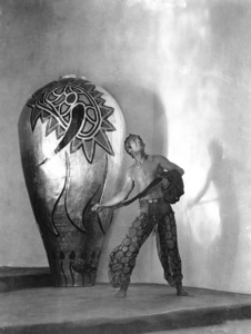 """Douglas Fairbanks in """"The Thief of Bagdad""""1924 United Artists **I.V. - Image 2336_0676"""
