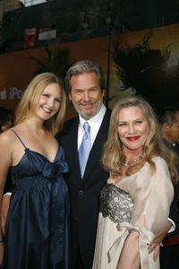 """Iron Man"" PremiereHayley Bridges, Jeff Bridges, Susan Bridges4-30-2008 / Grauman"