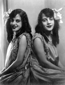 Violet and Daisy Hiltoncirca 1920s** I.V. - Image 23543_0010