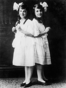 Violet and Daisy Hilton1922** I.V. - Image 23543_0013