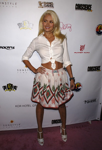 """Hot Summer Nights Benefit at the Playboy Mansion""Holly Madison 08-16-2008 / Los Angeles, CA / Photo by Andrew Howick - Image 23591_0010"