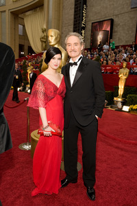 """""""The 81st Annual Academy Awards"""" (Arrivals)Phoebe Cates, Kevin Kline02-22-2009Photo by Darren Decker © 2009 A.M.P.A.S. - Image 23704_0046"""