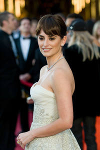 """""""The 81st Annual Academy Awards"""" (Arrivals)Penelope Cruz02-22-2009Photo by Jon Didier © 2009 A.M.P.A.S. - Image 23704_0114"""