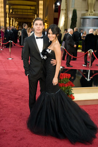 """""""The 81st Annual Academy Awards"""" (Arrivals)Zac Efron, Vanessa Hudgens02-22-2009Photo by Jon Didier © 2009 A.M.P.A.S. - Image 23704_0138"""