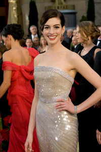 """""""The 81st Annual Academy Awards"""" (Arrivals)Anne Hathaway02-22-2009Photo by Jon Didier © 2009 A.M.P.A.S. - Image 23704_0155"""