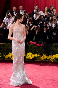 """""""The 81st Annual Academy Awards"""" (Arrivals)Anne Hathaway02-22-2009Photo by Armando Flores © 2009 A.M.P.A.S. - Image 23704_0175"""