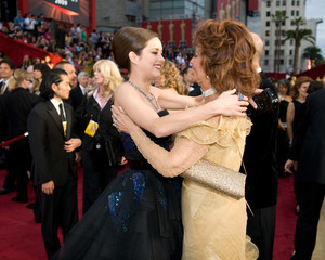 """""""The 81st Annual Academy Awards"""" (Arrivals)Marion Cotillard, Sophia Loren02-22-2009Photo by Jon Didier © 2009 A.M.P.A.S. - Image 23704_0200"""