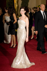 """""""The 81st Annual Academy Awards"""" (Arrivals)Anne Hathaway02-22-2009Photo by Bryan Crowe © 2009 A.M.P.A.S. - Image 23704_0223"""