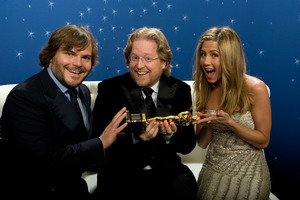 """The 81st Annual Academy Awards"" (Backstage)Jack Black, Andrew Stanton, Jennifer Aniston02-22-2009Photo by Todd Wawrychuk © 2009 A.M.P.A.S. - Image 23704_0264"