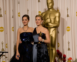 """The 81st Annual Academy Awards"" (Press Room)Marion Cotillard, Kate Winslet02-22-2009Photo by Bryan Crowe © 2009 A.M.P.A.S. - Image 23704_0302"