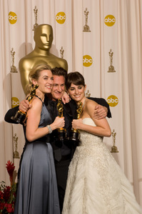 """""""The 81st Annual Academy Awards"""" (Press Room)Kate Winslet, Sean Penn, Penelope Cruz02-22-2009Photo by Bryan Crowe © 2009 A.M.P.A.S. - Image 23704_0324"""