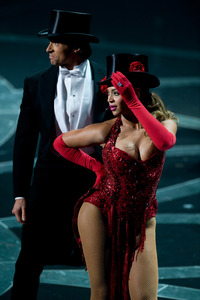 """The 81st Annual Academy Awards"" (Telecast)Hugh Jackman, Beyonce Knowles02-22-2009Photo by Darren Decker © 2009 A.M.P.A.S. - Image 23704_0467"