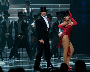 """The 81st Annual Academy Awards"" (Telecast)Hugh Jackman, Beyonce Knowles02-22-2009Photo by Michael Yada © 2009 A.M.P.A.S. - Image 23704_0495"