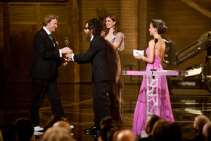 """The 81st Annual Academy Awards"" (Telecast)Anthony Dod Mantle, Ben Stiller, Natalie Portman02-22-2009Photo by Michael Yada © 2009 A.M.P.A.S. - Image 23704_0568"